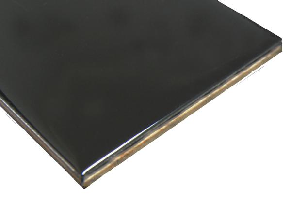 Gloss-Black-2